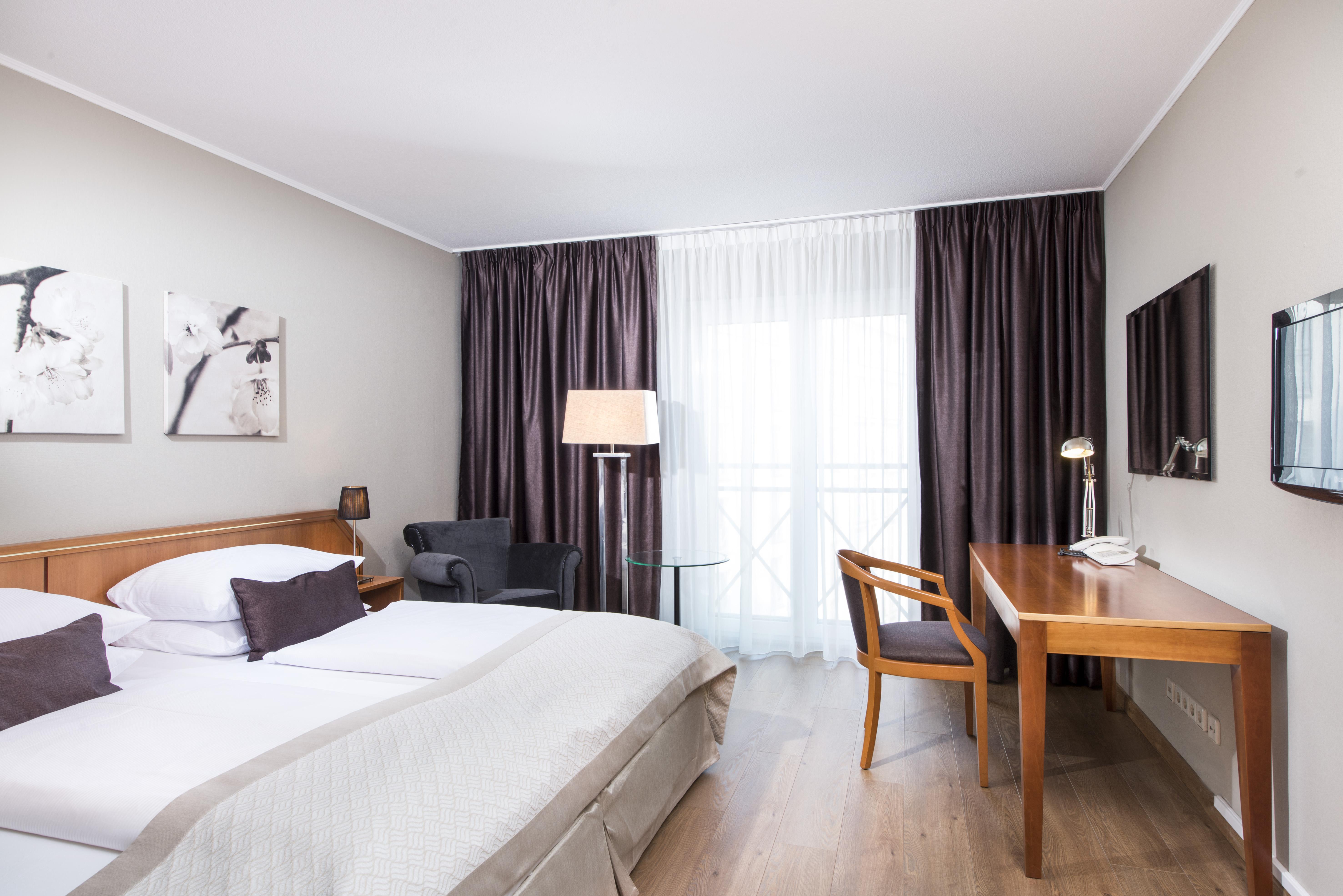 Hotel hannover wyndham hotel hannover atrium for Zimmer hannover
